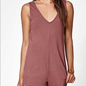 *MAKE OFFERS!* Me to We Romper
